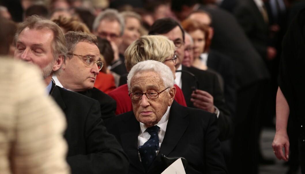 Tidligere utenriksminister i USA, Henry Kissinger (93), overværer utdelingen av fredsprisen til Colombiaa president, Juan Manuel Santos  i Oslo Rådhus. 43 år etter at Kissinger selv fikk den omstridtefredsprisen. Foto: Larsen, Håkon Mosvold