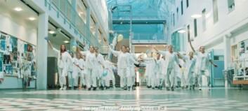 Sjekk julebordsvideo fra medisinstudentene