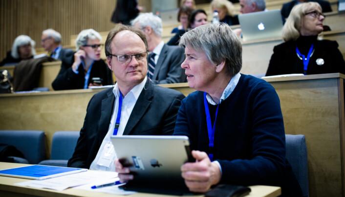 Rektor på Universitetet i Agder(UiA), Frank Reichert, og direktør på UiA, Seunn Smith-Tønnesen. Foto: Henriette Dæhlie