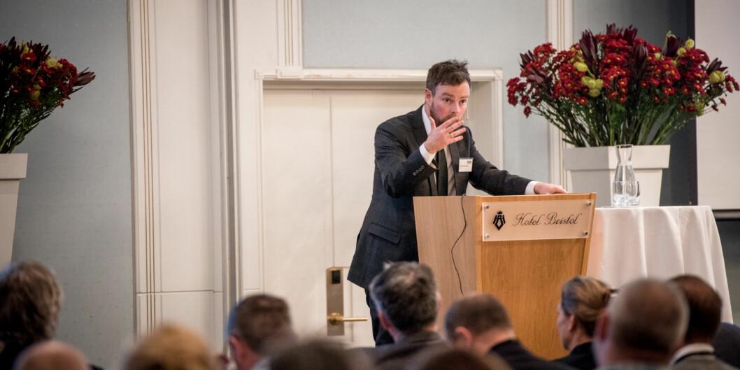 Iselin Nybø spurte kunnskapsminister Torbjørn Røe Isaksen i den muntlige spørretimen på stortinget denne uka, om utenlandske studenter som blir utvist fordi de jobber mer enn 20 timer iuka. Foto: Skjalg Bøhmer Vold