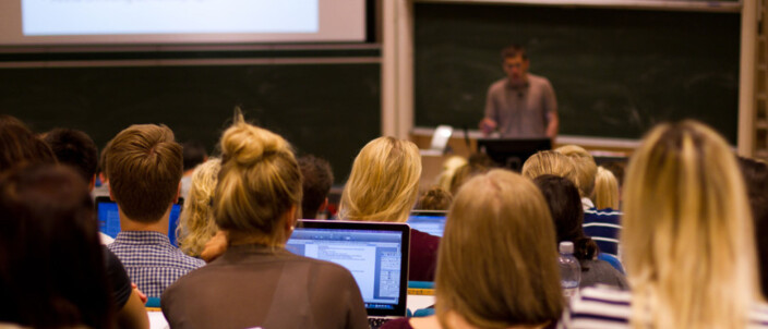 Hvordan burde universiteter og høgskolesektor håndtere Covid-19
