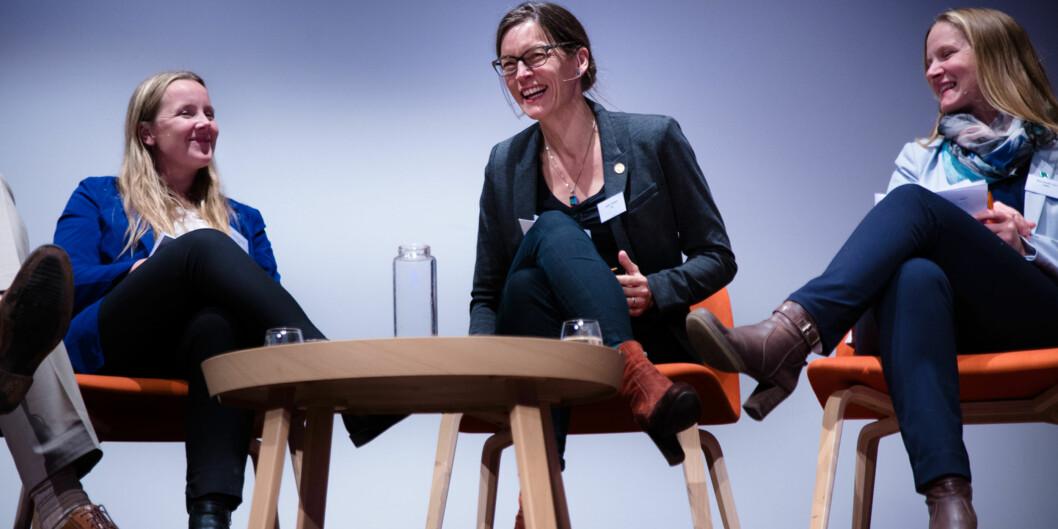 """Studentleder Marianne Andenæs, Vigdis Vandvik fra bioCEED og rektor på <span class=""""caps"""">NMBU</span>, Mari Sundli Tveit var tre av fem i en av flere paneldebatter om kvalitet på <span class=""""caps"""">NOKUT</span>-konferansen 2.november. Foto: Henriette Dæhli"""