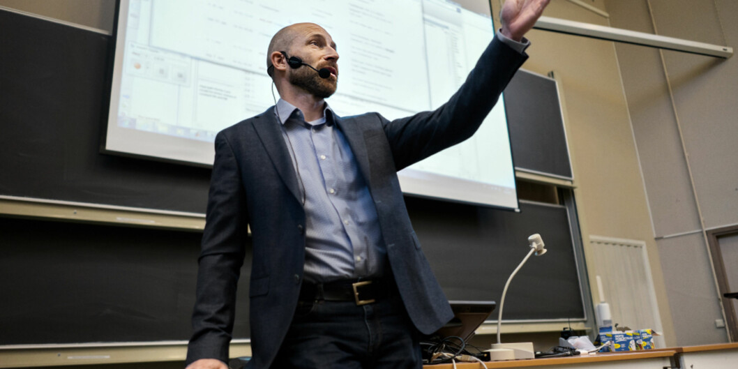 En av de ni finalistene som kan bli blant de nye sentre for fremragende utdanning har tilhold på Universitet i Oslo. Professor Anders Malthe-Sørenssen er sentral iprosjektet. Foto: Ketil Blom Haugstulen