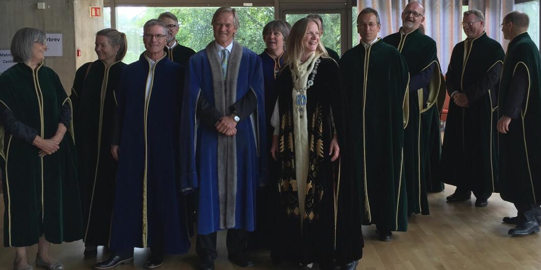 """8 av 12 medlemmer i rektor Mari Sundli Tveits ledergruppe ved <span class=""""caps"""">NMBU</span> er over 60 år. (Foto: <span class=""""caps"""">NMBU</span>)"""