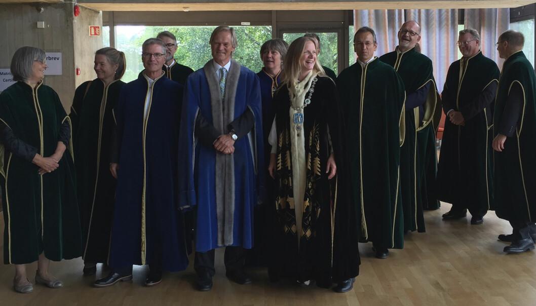 8 av 12 medlemmer i rektor Mari Sundli Tveits ledergruppe ved NMBU er over 60 år. (Foto: NMBU)