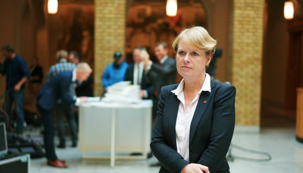 Vi er svært tydelige på at undervisning og forskning skal være like viktig i høyere utdanning, sier Marianne Aasen (Ap), som legger fram partiets strategi for høyere utdanning på en pressekonferanse i dag,fredag.