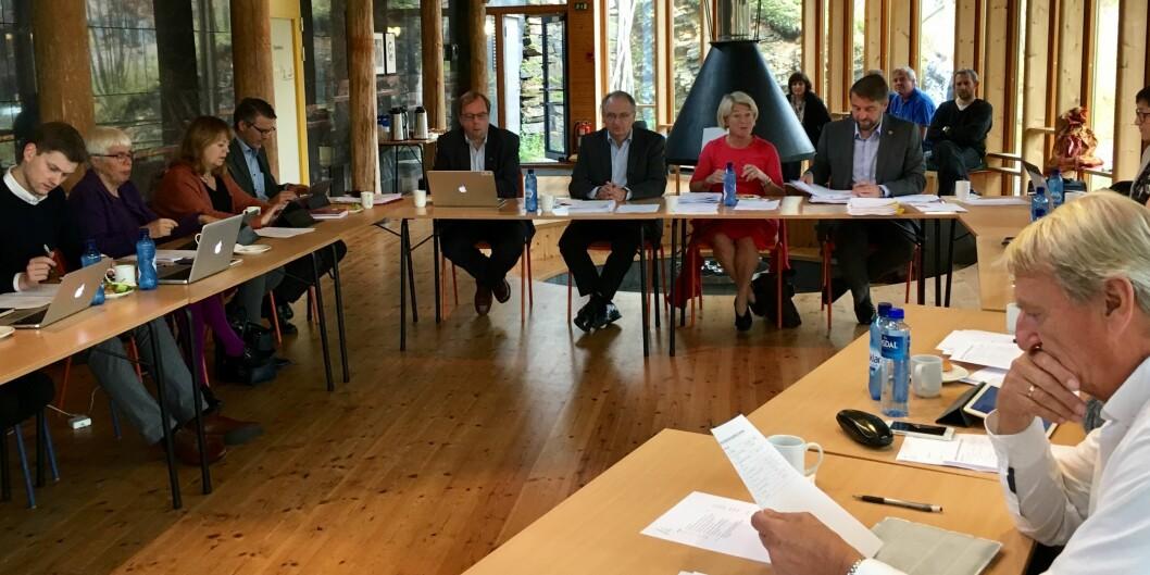 """Styret ved Universitetet i Tromsø vedtok torsdag, med 12 mot 5 stemmer, å fortsett med valgt ledelse. Foto: Ole <span class=""""caps"""">MA</span>rtin Loe,UiT"""