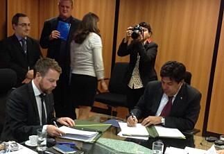 Isaksen har signert to nye avtaler med Brasil