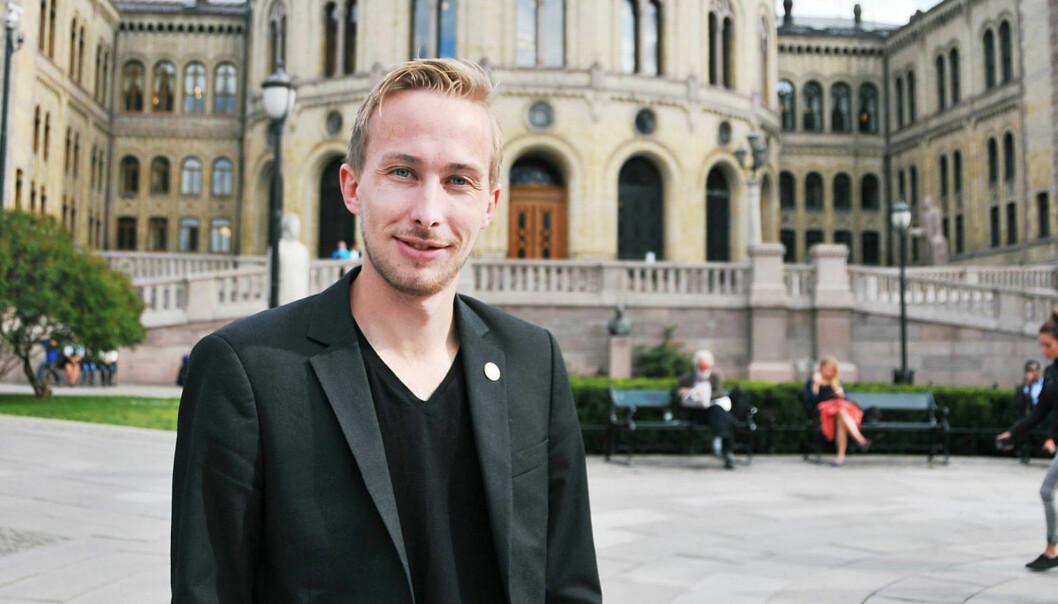 Tidligere studentpolitiker og lobbyist for Universitetet i Bergen, André Almås Christiansen, er en av to nye rådgivere og lederstøtte for HiOAs prorektorer.  Foto: Anne Sofie Lid Bergvall,Studvest