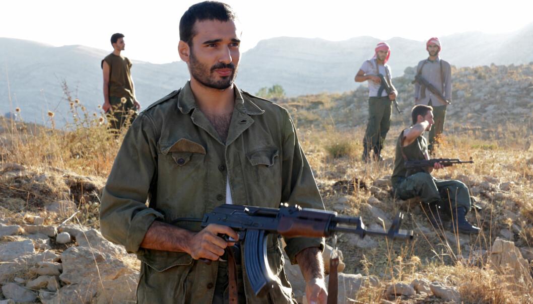 Aram slutter seg etterhvert til militante grupper som ser terror i europeiske byer som legitimkampform.