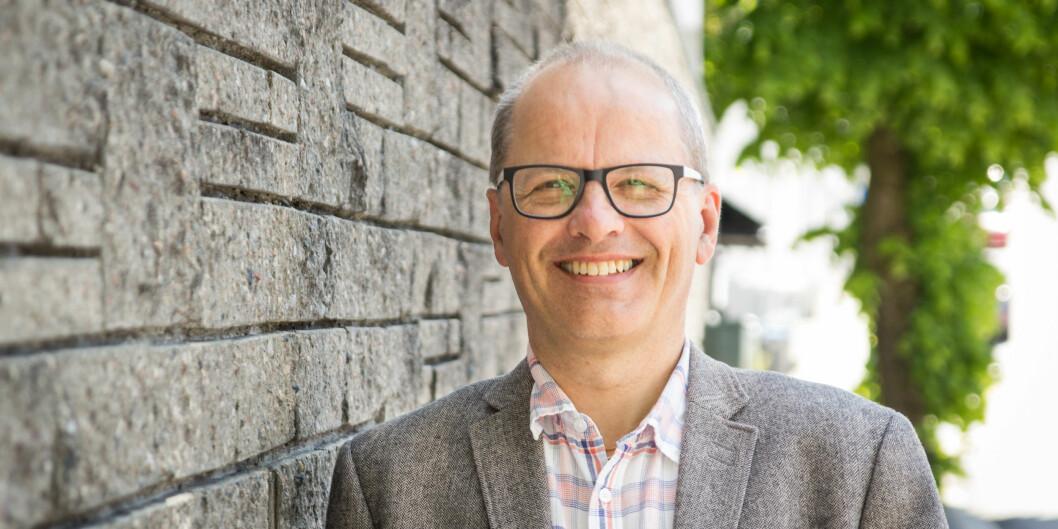 NLA-rektor Erik Waaler fikk mye kritikk etter at den private høgskolen leide ut lokaler til et arragement der hvordan få hjelp til å forlate homofile følelser var tema. Nå gir Waaler seg som rektor. Foto: NLA