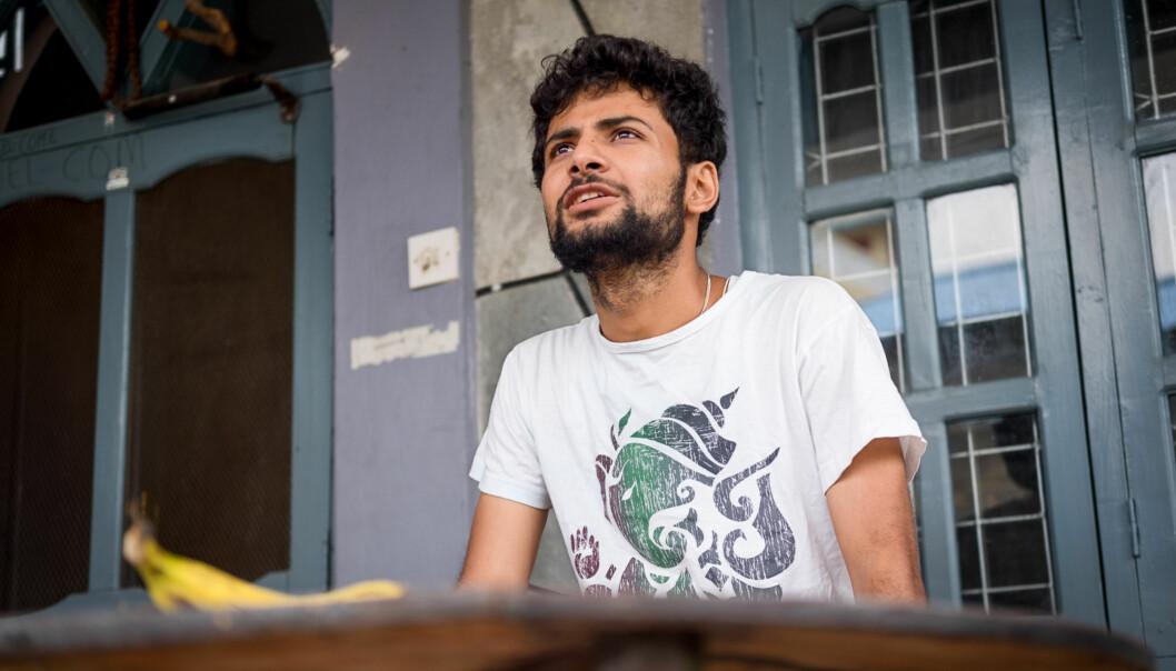 Pranab Dhakal er kommet inn på NTNUs masterprogram i planlegging av vannkraftutbygging, men problemet er de store pengeoverføringene som må til for at han skal få visum og bolig iNorge. Foto: Skjalg Bøhmer Vold