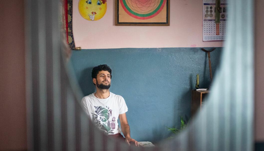 Onsdag skrev Khrono om Pranab Dhakal fra Pokhara i Nepal som har kommet inn på master i Hydropower development på NTNU til høsten, men han må skaffe over 100.000 kroner for å få studentvisum. Det er en helt enorm sum både for ham og for enhver vanlignepaleser. Foto: Skjalg Bøhmer Vold