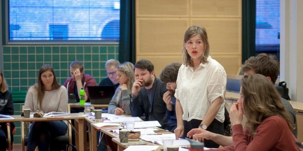 Studentparlamentet og påtroppande leiar, Sunniva Myrene Braaten, diskuterte ruspolicy på tirsdagensmøte. Foto: Nicklas Knudsen