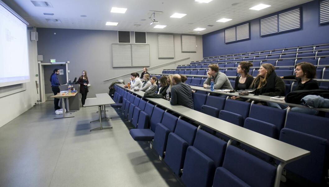 13 oppmøtte på allmøte på Fakultet for samfunnsfag, inkludert studentledelsen. Foto: NicklasKnudsen