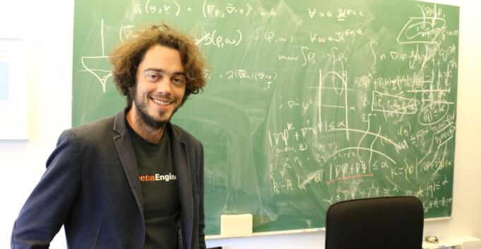 Matte-professor i Bergen på jordomsegling med full løn