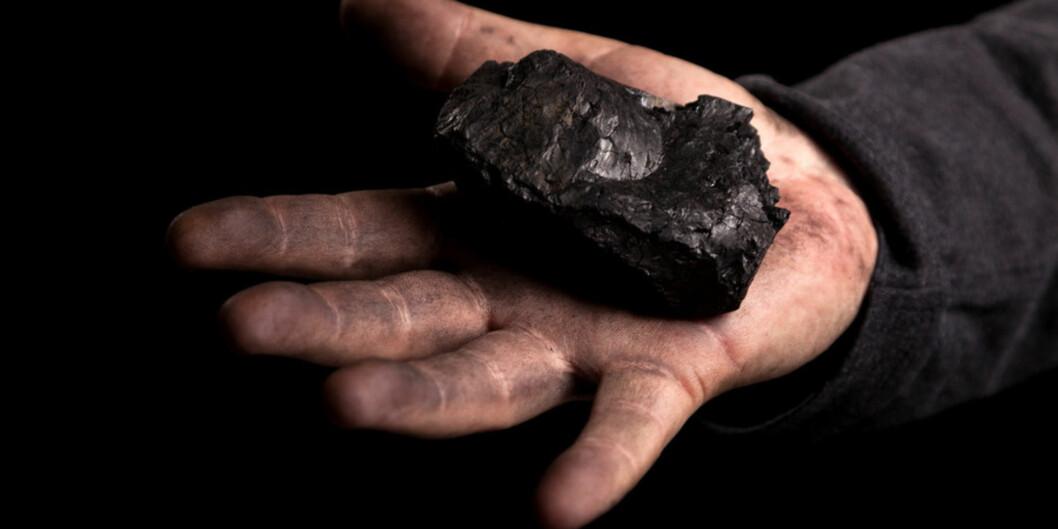 Kullkriteriet sier at selskaper som får mer enn tretti prosent av sine inntekter fra termisk kull, skal utelukkes fra Oljefondet. Unifor, som forvalter midler på vegne av UiO, har fortsatt penger i selskap som er utelukket av Oljefondet. Foto:Colourbox.com