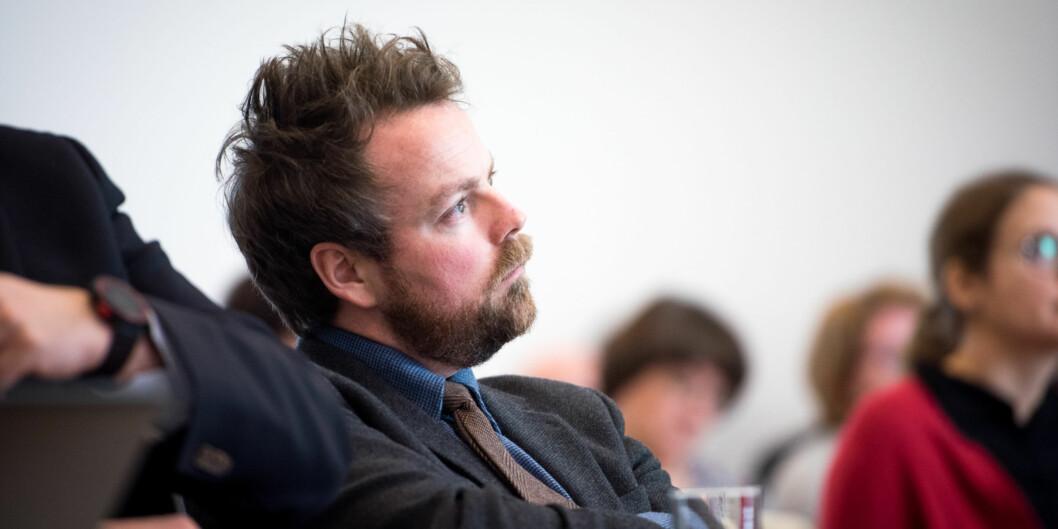 """Statsråd Torbjørn Røe Isaksen er misfornøyd med flere ting i høyere utdanning viser han til i ny rapport som kommer i morgen: Bl.a. andelen <span class=""""caps"""">EU</span>-midler og lav kvalitet påforskningen. Foto: Skjalg Bøhmer Vold"""