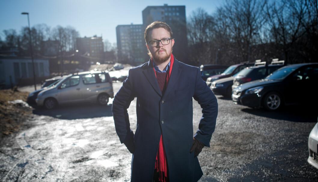 Leder av Velferdstinget i Oslo og Akershus er skuffet over at regjeringen ikke kom med ekstra studentboliger i revidert nasjonalbudsjett, men han er fornøyd med opptrappingen av lengde påstudiestøtte. Foto: Skjalg Bøhmer Vold