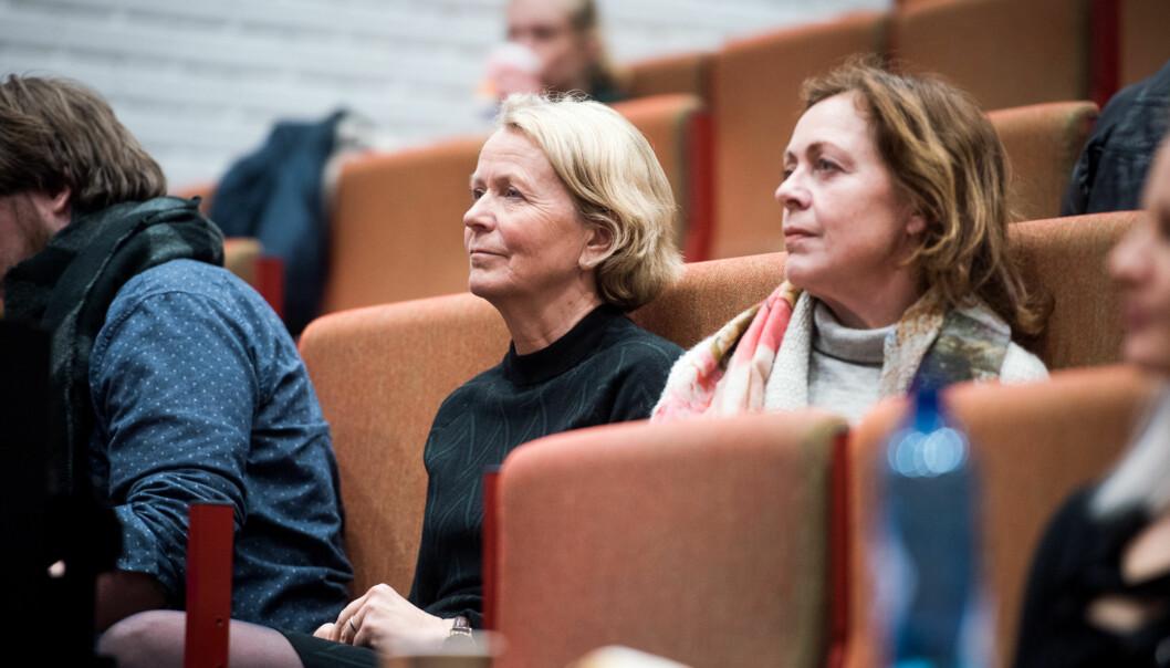 Dekan Gro Jamtvedt ved Fakultet for helsefag (t.v.) tar kritikken fra studentene på alvor. Her sammen med instituttleder Unni Hembre ved Institutt for sykepleie og helsefremmendearbeid. Foto: Skjalg Bøhmer Vold