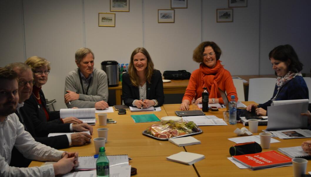 Styreleder Siri Hatlen (nr.2 fra høyre) ved NMBU i Ås og resten av styret ved universitetet får sterk kritikk fra sju professorer veduniversitetet.