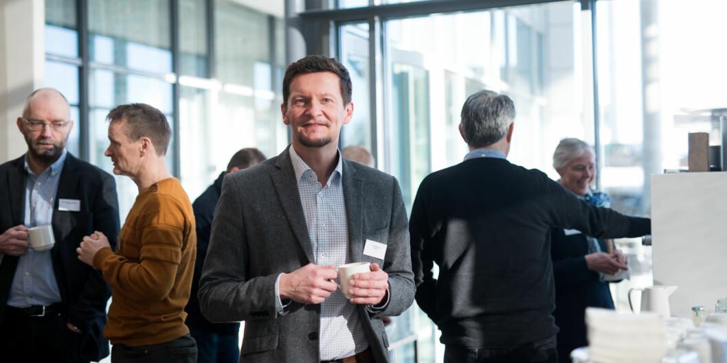 """<span class=""""caps"""">NOKUT</span>-direktør Terje Mørland gratulerer de som er med i finalerunden for å bli senter for fremragendeutdanning. Foto: Skjalg Bøhmer Vold"""