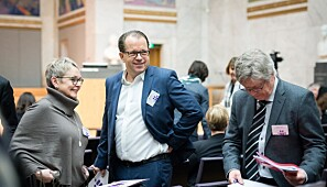 Styreleder Vigdis Moe Skarstein og rektor Bjørn Olsen Imidten) ved Nord universitet. Foto: Skjalg Bøhmer Vold