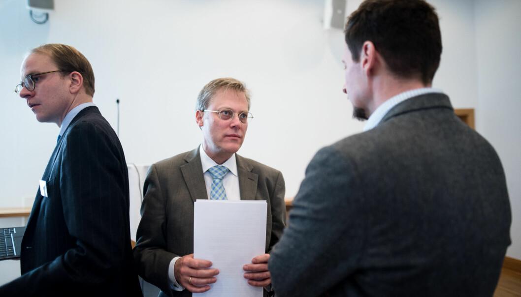 Øystein Lund i samtale med sin sjef Terje Mørland under seminaret om den nye lærerutdanningen påGardermoen. Foto: Skjalg Bøhmer Vold