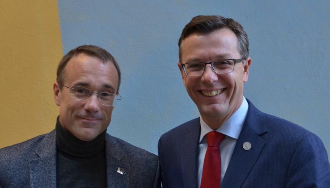 Volda-rektor Johann Roppen (til venstre) bør tenke på kvalitet i alle ledd når avgjørelsen om fusjon eller ikke tas, synes UiB-rektor Dag Rune Olsen. Foto: Hilde KristinStrand Foto: Pressefoto