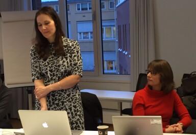 19.01.16: Julie Backer HiOA (t.h.) og Anne Elin Hvidsten fra Burson-Marsteller leder navneprosessen. Foto: Tove Lie