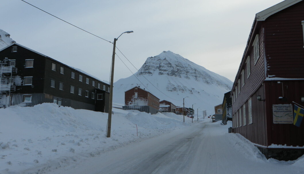 Her i Nybyen i Longyearbyen ligger dagens studenthybler i et skredområde der det ikke vil bli gitt tillatelse til nybygg på grunn av rasfare. Foto: Flickr.com/ creativecommons