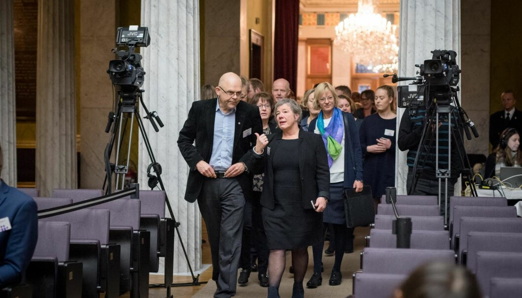 Rektor Ole Gunnar Søgnen (61) og rektor Liv-Reidun Grimstvedt (55) ønsker begge å bli rektorer ved den nye Høgskulen på Vestlandet. Foto: Skjalg BøhmerVold