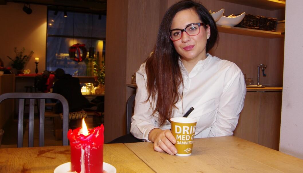 — I Noreg kan studentar kjøpe seg ein genser eller gå på kafé utan å tenke så mykje meir over det, seier Ivana Spremic frå Serbia. Studiekvardagen i heimlandet er derimot av det meir sparsommelegeslaget.
