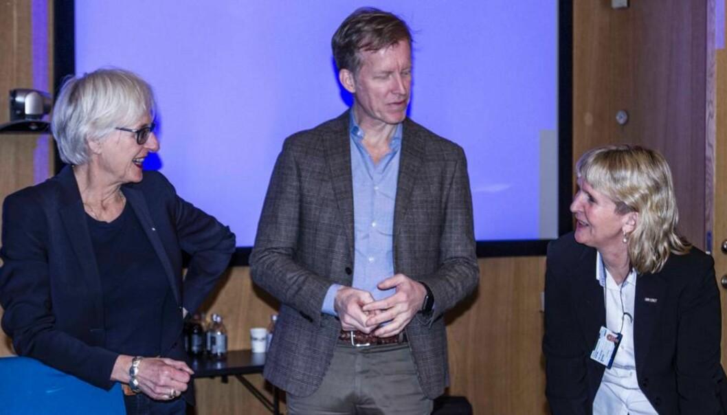 (Prorektor Kari Melby og organisasjonsdirektør Ida Munkeby (til høyre) deltok på møtet med Kif-komiteen. Foto: Sølvi W.Normannsen)