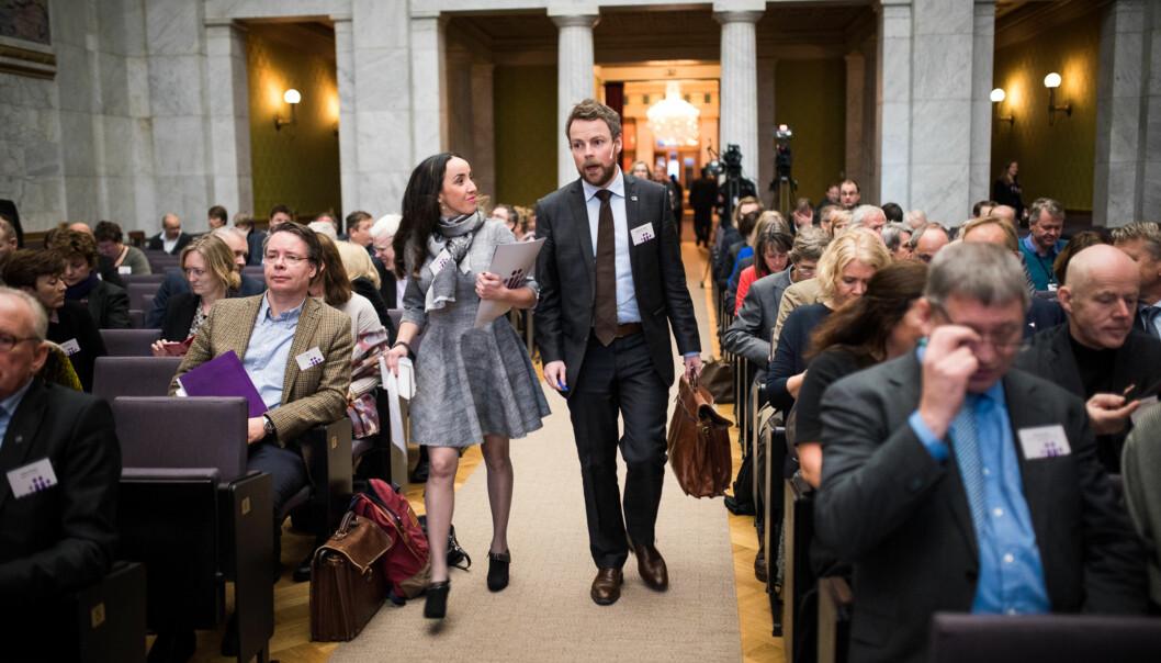 Kunnskapsminister Torbjørn Røe Isaksen ankommer kontaktkonferansen for universiteter og høgskoler i 2015. Institusjonene har varierte ønsker til ministerens statsbudsjett for2017. Foto: Skjalg Bøhmer Vold