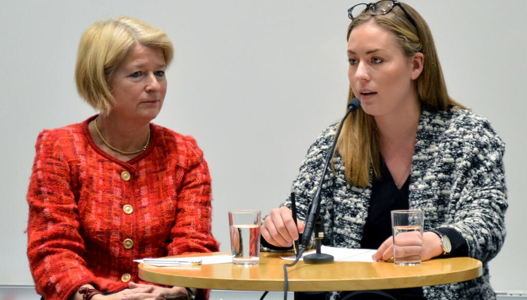 NSO-leder Therese Eia Lerøen (t.h.) synes ikke universiteter og høgskoler som fusjonerer gjør nok for å slå sammen utdanninger. Her sammen med rektor Anne Husebekk ved UiT - Norges arktiske universitet under torsdagens konferanse i Universitets- oghøgskolerådet.