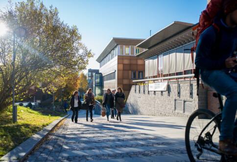 Norges jusdekaner slår ring om Tromsø-fakultet