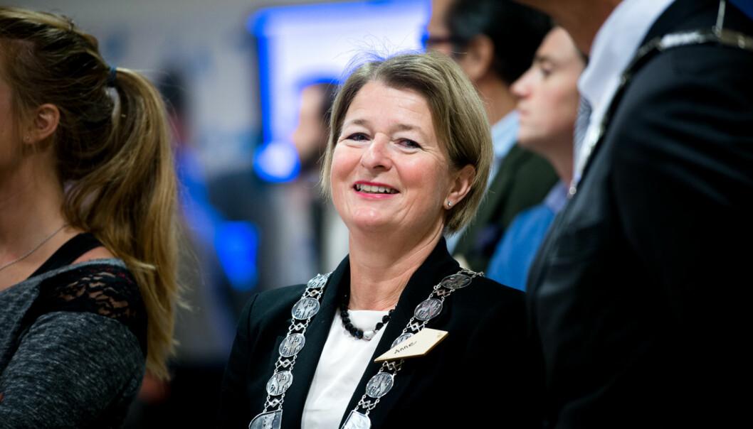 Sittende rektor, Anne Husebekk, har allerede varslet at hun ønsker en periode til i rektorstillingen, uavhengig av om det blir ansatt eller valgt ledermodell ved Universitetet iTromsø. Foto: Skjalg Bøhmer Vold