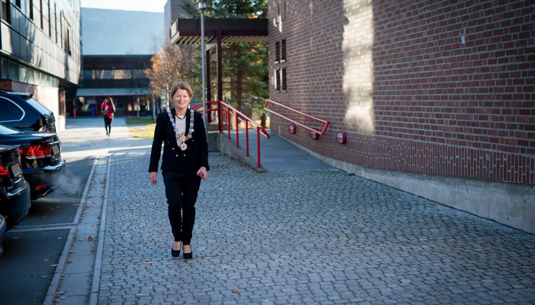 Rektor på UiT, Anne Husebekk, mener at den vedtatte samorganisering av kunstfakultetet og Tromsø museum gir mange muligheter. Foto: Skjalg Bøhmer Vold
