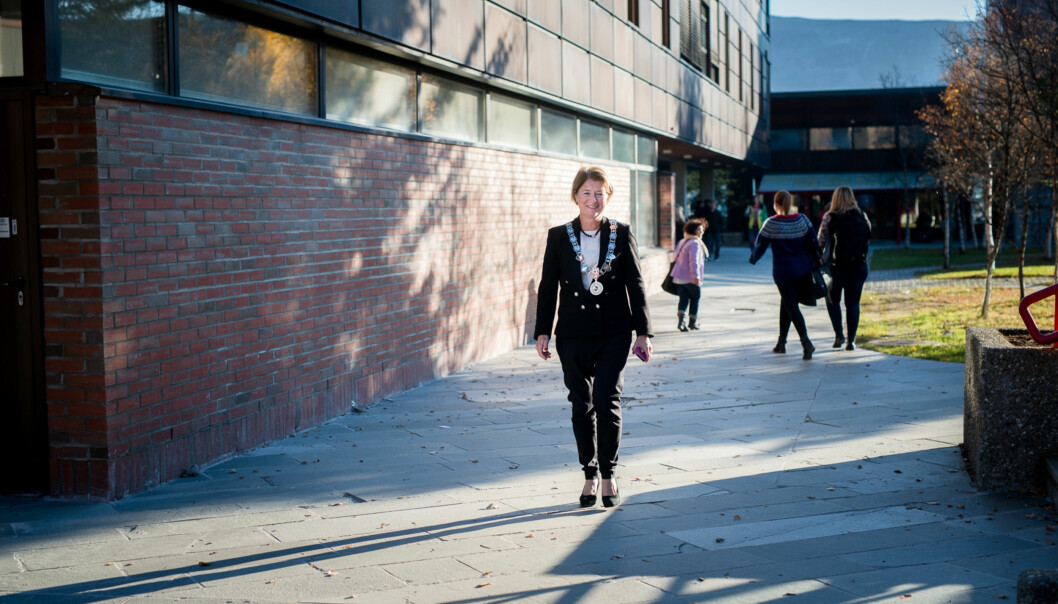 Rekordmange studenter har fått studietilbud ved universitetet i Tromsø, men rektor Anne Husebekk er bekymret for lærerutdanningen og framtidig lærermangel inord. Foto: Skjalg Bøhmer Vold