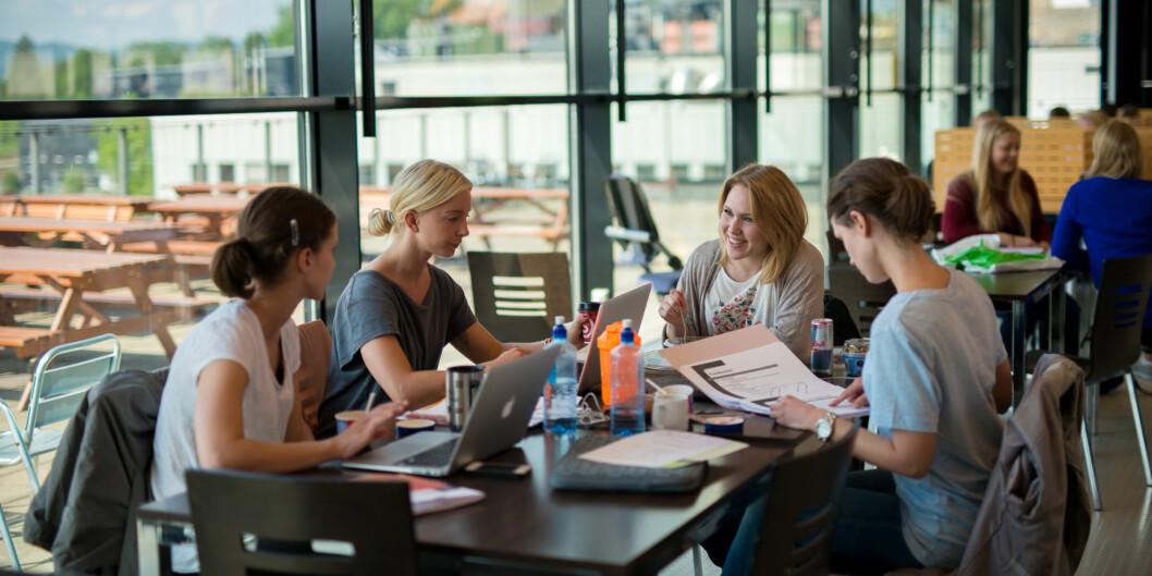 I Norge er vi så heldig at vi har gratis utdanning, men i de fleste tilfeller gjelder ikke dette etter- og videreutdanning, skriver Marianne Synnes. Foto: Skjalg Bøhmer Vold