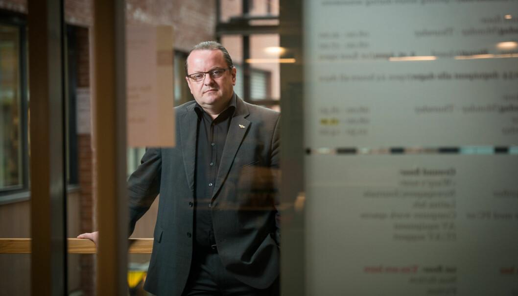 Jeg håper å kunne bidra til å styrke relasjonen mellom Høgskolen i Oslo og Akershus og Universitetet i Oslo, sier medieprofessor Arne Krumsvik som går fra HiOA tilUiO. Foto: Skjalg Bøhmer Vold