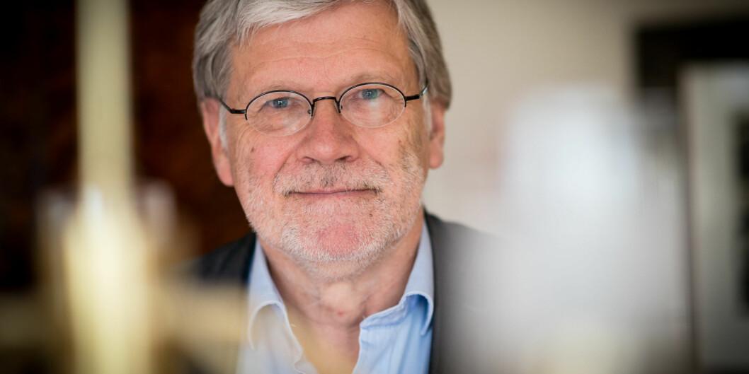 Professor Anders Bredilid ved OsloMet har selv opplevd å bli overkjørt, neglisjert og forbigått. Nå etterlyser han tiltak som gjør det lettere å varsle om maktmisbruk i akademia. Foto: Skjalg Bøhmer Vold