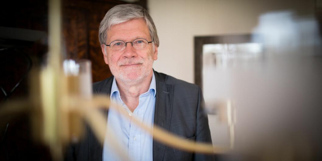 Anders Breidlid ønsker sammen med kolleger fra OsloMet og Universitetet i Bergen velkommen til debatt om New Public Management og utviklingen på universiteter og høgskoler. Foto: Skjalg Bøhmer Vold