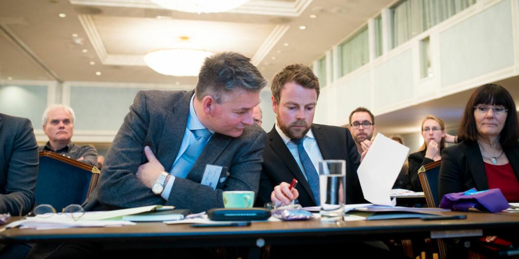 Kunnskapsminister Torbjørn Røe Isaksen ber Siri Hatlen lede gruppen som skal se på pengestrømmen iForskningsrådet. Foto: Skjalg Bøhmer Vold