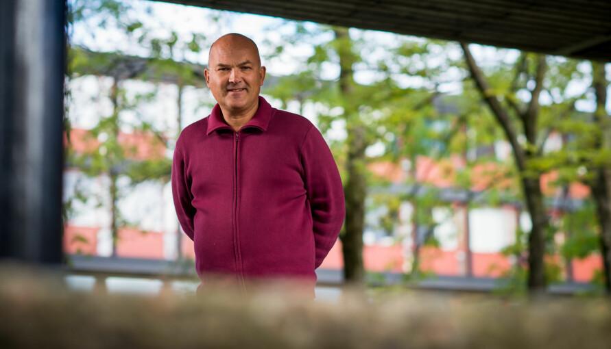 Kjell Lars Berge er professor ved Universitetet i Oslo og har fulgt både Eikrem-saken og Kamali-saken. Foto: Skjalg Bøhmer Vold