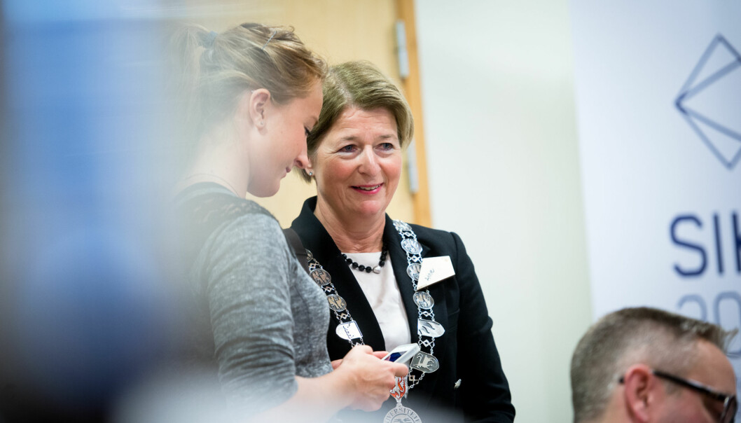 Tromsø-rektor Anne Husebekk er glad for å ha nådd en viktig milepæl i fusjonsarbeidet lengstnord. Foto: Skjalg Bøhmer Vold