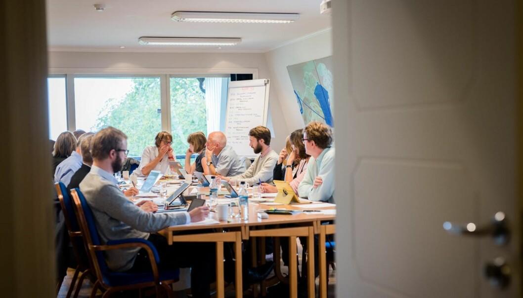 Styret ved Høgskolen i Oslo og Akershus diskuterte om det fortsatt bør bevilges penger til høgskolens finaleprosjekt i konkurransen Senter for fremragende utdanning (SFU), Interact. (Bildet er fra et tidligere styremøte). Foto: Skjalg BøhmerVold