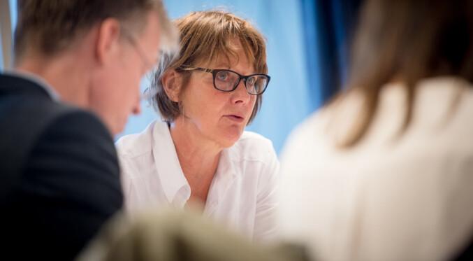 Medieprofessor og styreleder Trine Syvertsen ved OsloMet sa det var interessant å følge spillet som nå skjer rundt avissatsing i UH-sektoren. Foto: Skjalg Bøhmer Vold