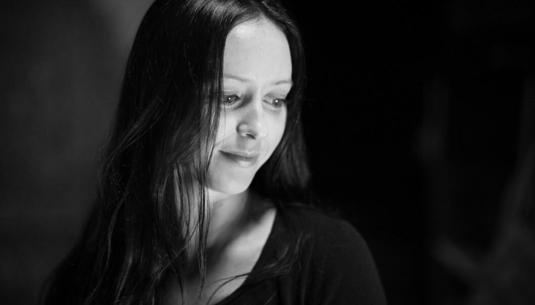 Mia Andresen har vært studentleder i Norsk sykepleierforbund, og jobber i dag som sykepleier. Hun etterlyser mer åpenhet rundtselvmord. Foto: Skjalg Bøhmer Vold